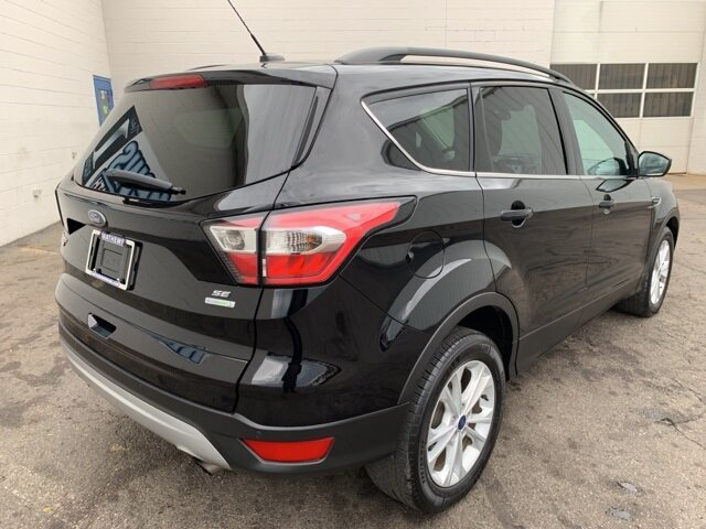 2017 SHADOW_BLACK Ford Escape SE FWD SUV Automatic 4 Door 1.5 L 4-Cylinder Engine