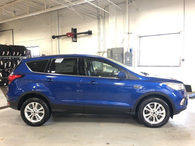 2019 Lightning Blue Metallic Ford Escape SE 1.5L Ecoboost Engine Automatic 4 Door