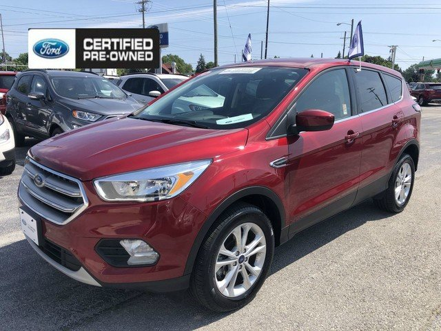2017 Ruby Red Metallic Tinted Clearco Ford Escape SE Automatic SUV 4 Door