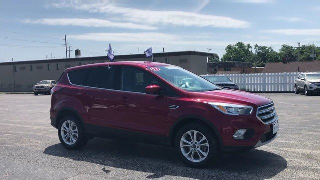 2017 Ruby Red Metallic Tinted Clearco Ford Escape SE SUV 1.5L Ecoboost Engine 4 Door