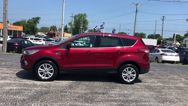 2017 Ruby Red Metallic Tinted Clearco Ford Escape SE 4 Door 1.5L Ecoboost Engine 4X4