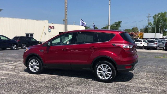 2017 Ruby Red Metallic Tinted Clearco Ford Escape SE 4 Door Automatic 1.5L Ecoboost Engine 4X4 SUV