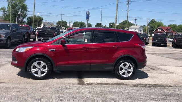 2016 Ruby Red Metallic Tinted Clearcoat Ford Escape SE 1.6L 4-Cyl Engine 4X4 Automatic