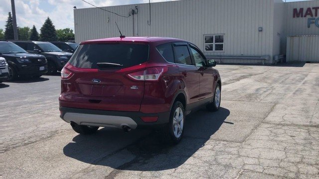 2016 Ruby Red Metallic Tinted Clearcoat Ford Escape SE 4 Door SUV 1.6L 4-Cyl Engine 4X4