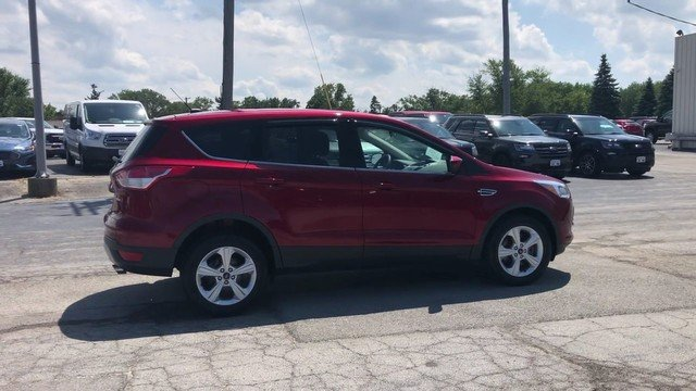 2016 Ruby Red Metallic Tinted Clearcoat Ford Escape SE 1.6L 4-Cyl Engine SUV 4X4