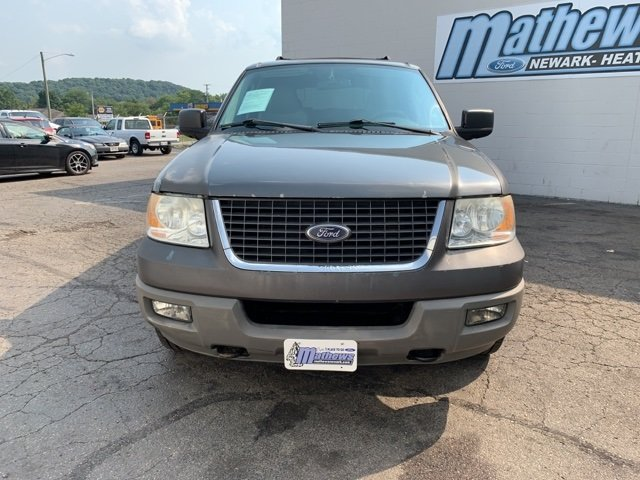 2005 Gray Ford Expedition 5.4L 4WD 5.4L 8-Cylinder Engine Automatic SUV 4 Door 4X4