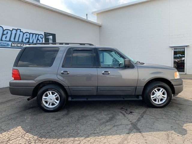 2005 Gray Ford Expedition 5.4L 4WD 4X4 Automatic SUV 4 Door 5.4L 8-Cylinder Engine