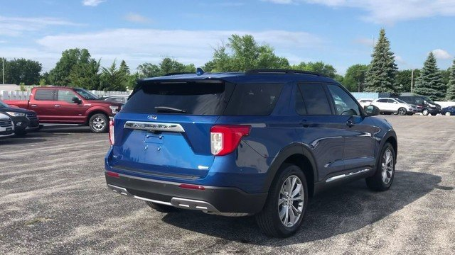 2020 BLUE Ford Explorer XLT 4X4 4 Door SUV
