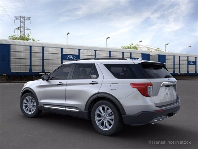 2020 Iconic Silver Metallic Ford Explorer XLT SUV AWD 4 Door