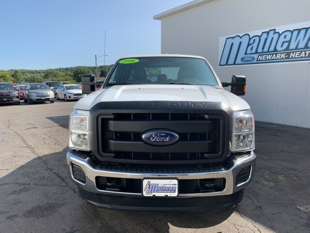 2016 Ford Super Duty F-250 SRW 4WD Crew Cab 4 Door 4X4 6.2 L 8-Cylinder Engine Automatic Truck