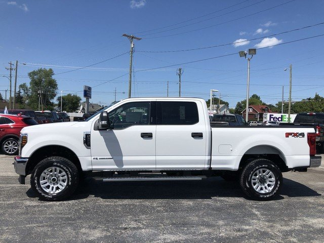 2019 Oxford White Ford Super Duty F-250 SRW XLT 4 Door Truck 4X4 6.7L 4v OHV Power Stroke V8 Turbo Diesel B20 Engine
