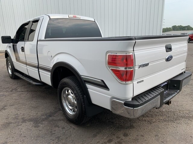 "2014 Oxford White Ford F-150 2WD SuperCab 145"" Automatic RWD 3.7 L 6-Cylinder Engine 4 Door"