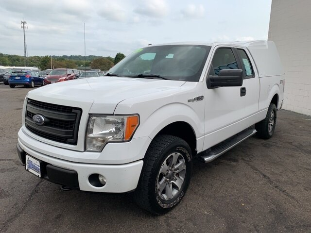 "2014 Ford F-150 4WD SuperCab 145"" STX 5.0L 8-Cylinder Engine Automatic 4X4 Truck 4 Door"