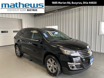 2017 Mosaic Black Metallic Chevrolet Traverse LT SUV 3.6L SIDI V6 Engine 4 Door