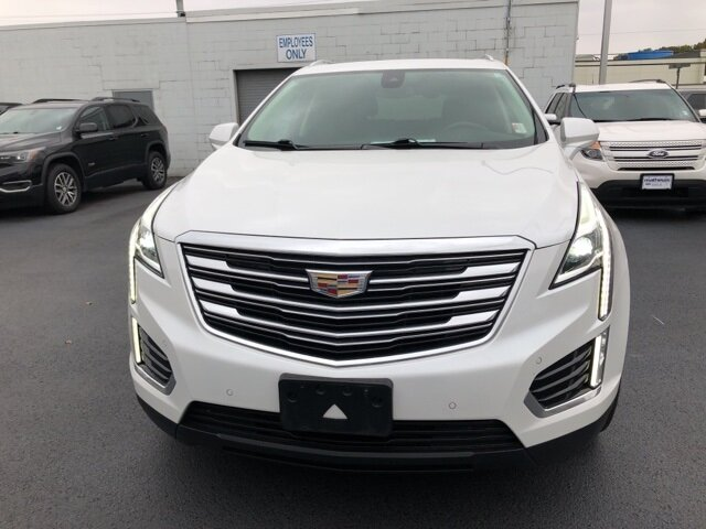 2017 Crystal White Tricoat Cadillac XT5 Premium Luxury AWD SUV 3.6L V6 DI VVT Engine Automatic AWD 4 Door