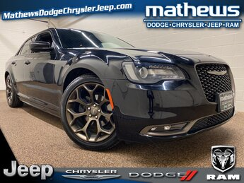 2016 Gloss Black Chrysler 300 300S Alloy Edition 3.6L V6 24V VVT Engine 4 Door Automatic