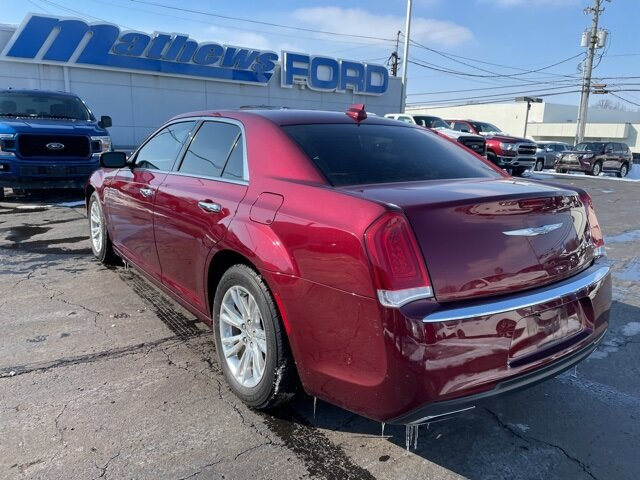 2016 Velvet Red Pearlcoat Chrysler 300C 300C RWD 4 Door 3.6L V6 24V VVT Engine Automatic