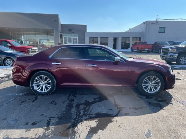2016 Velvet Red Pearlcoat Chrysler 300C 300C 3.6L V6 24V VVT Engine RWD 4 Door Automatic