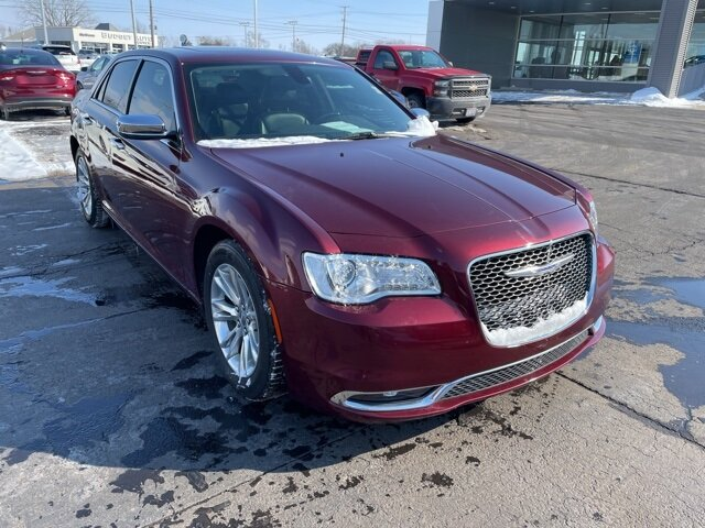 2016 Velvet Red Pearlcoat Chrysler 300C 300C RWD 4 Door Automatic 3.6L V6 24V VVT Engine Car