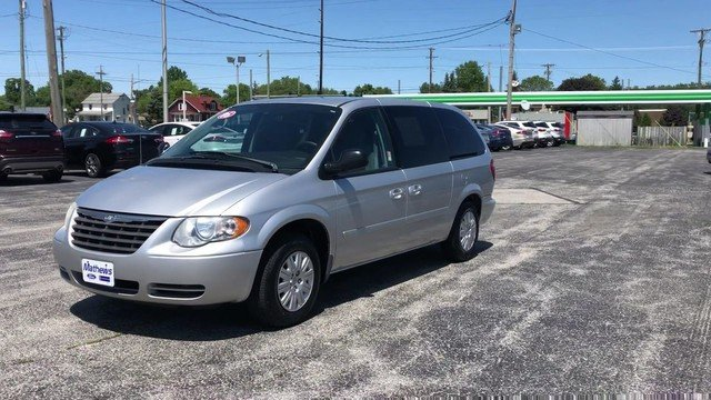 2005 Chrysler Town & Country LX Automatic 4 Door FWD Van