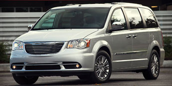 2012 Chrysler Town & Country Touring Automatic Van 3.6L 24-valve VVT V6 flex fuel engine 4 Door