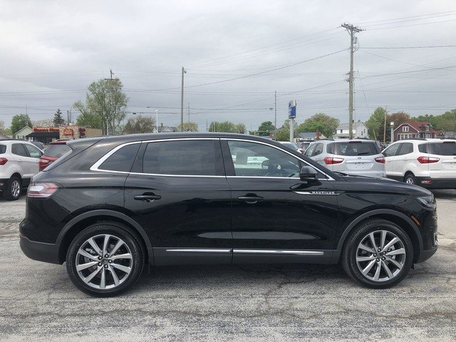 2019 Infinite Black Metallic Lincoln Nautilus Select 2.0L 4-Cyl Engine SUV 4 Door AWD
