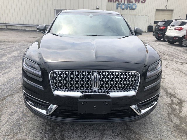 2019 Infinite Black Metallic Lincoln Nautilus Select 4 Door SUV 2.0L 4-Cyl Engine