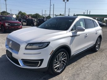 2019 White Platinum Metallic Tri-Coat Lincoln Nautilus Reserve SUV 4 Door AWD