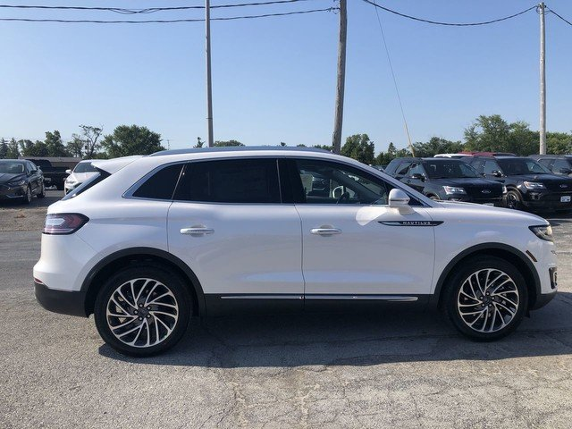 2019 White Platinum Metallic Tri-Coat Lincoln Nautilus Reserve AWD SUV 4 Door