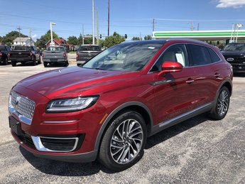 2019 Ruby Red Metallic Tinted Clearcoat Lincoln Nautilus Reserve SUV 4 Door AWD