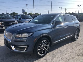 2019 Blue Diamond Metallic Lincoln Nautilus Reserve SUV AWD 4 Door