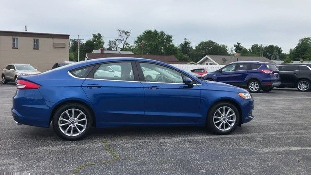 2017 Lightning Blue Ford Fusion SE Sedan FWD 4 Door Automatic 2.5L IVCT Engine