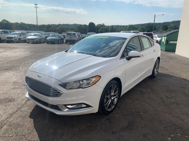 2017 Ford Fusion SE Automatic Sedan FWD 4 Door 2.5 L 4-Cylinder Engine