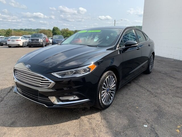 2017 Ford Fusion SE FWD Automatic 2.0 L 4-Cylinder Engine Sedan 4 Door