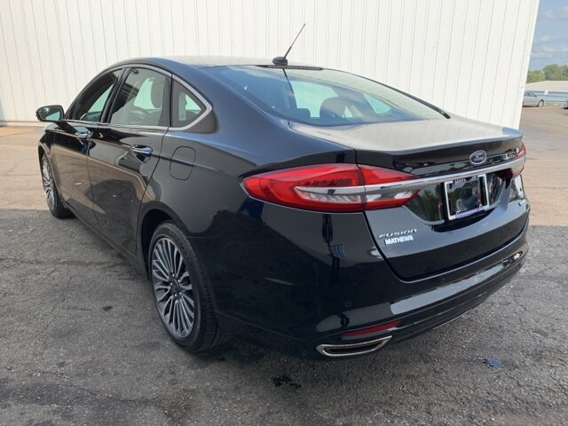 2017 Ford Fusion SE 4 Door FWD Automatic 2.0 L 4-Cylinder Engine Sedan