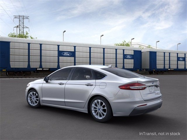 2020 Iconic Silver Metallic Ford Fusion SE 1.5 L 4-Cylinder Engine 4 Door FWD Sedan