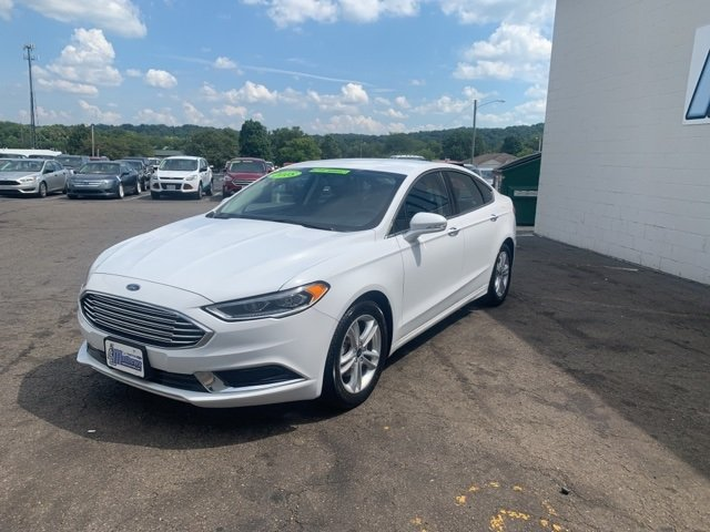 2018 Ford Fusion SE 4 Door FWD Automatic 1.5 L 4-Cylinder Engine Sedan