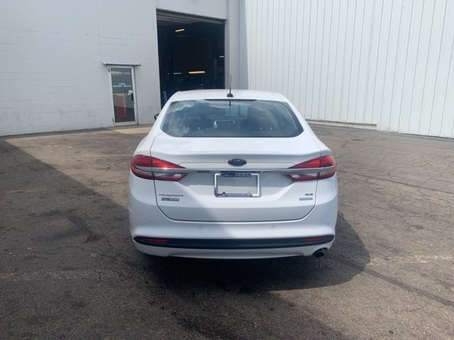 2018 Ford Fusion SE FWD 4 Door 1.5 L 4-Cylinder Engine Sedan