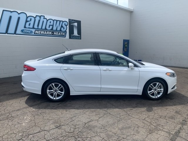 2018 Ford Fusion SE 4 Door FWD 1.5 L 4-Cylinder Engine Sedan