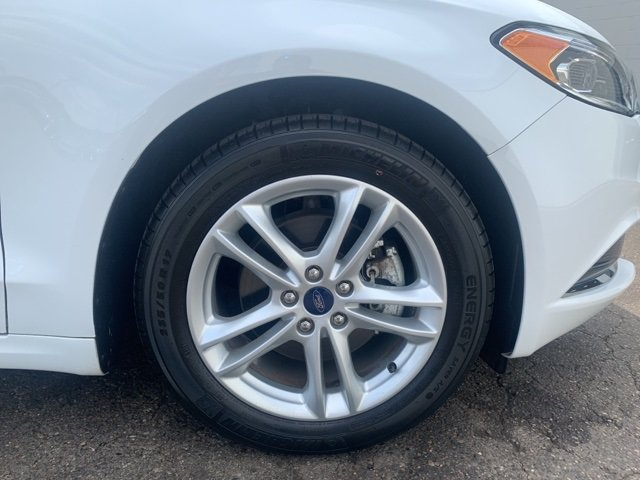 2018 Ford Fusion SE Sedan Automatic 4 Door 1.5 L 4-Cylinder Engine