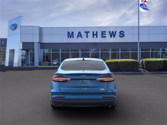 2020 Velocity Blue Metallic Ford Fusion SE FWD 4 Door 1.5 L 4-Cylinder Engine Sedan Automatic