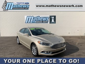 2017 PALLADIUM_WHITE_GO Ford Fusion SE Car 4 Door FWD