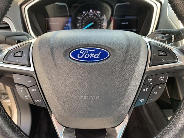 2017 PALLADIUM_WHITE_GO Ford Fusion SE 4 Door FWD Automatic