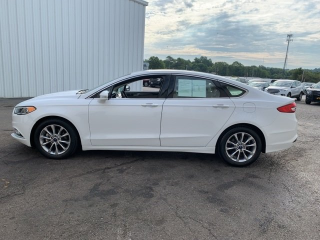 2017 Ford Fusion SE 4 Door Sedan Automatic 1.5 L 4-Cylinder Engine FWD