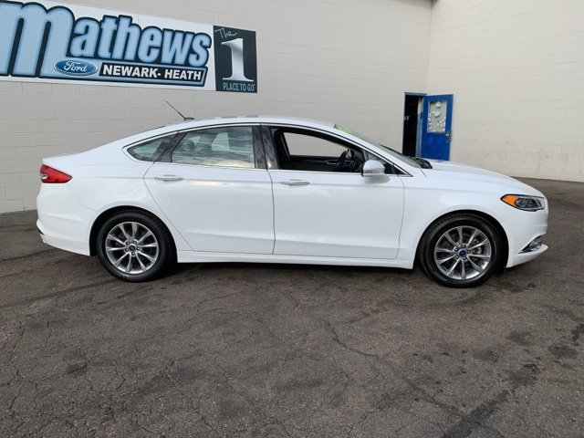 2017 White Ford Fusion SE Automatic Sedan 1.5 L 4-Cylinder Engine 4 Door