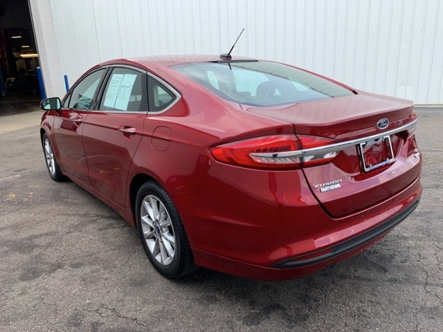 2017 Ford Fusion SE 4 Door FWD 1.5 L 4-Cylinder Engine