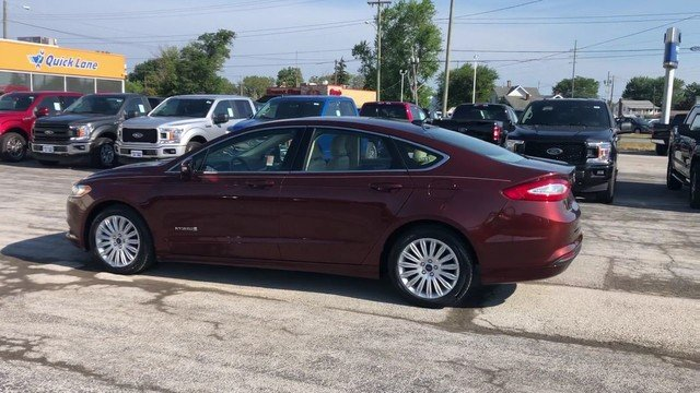 2016 Ford Fusion SE Hybrid FWD Automatic 4 Door 2.0L IVCT Atkinson Cycle I-4 Hybrid Engine