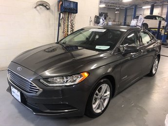 2018 Magnetic Metallic Ford Fusion Hybrid SE 2.0L 4-Cyl Engine Sedan Automatic 4 Door FWD