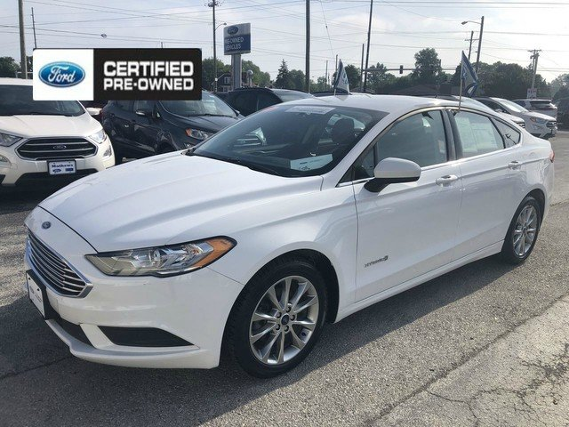 2017 Oxford White Ford Fusion Hybrid SE Automatic Sedan FWD 4 Door 2.0L 4-Cyl Engine