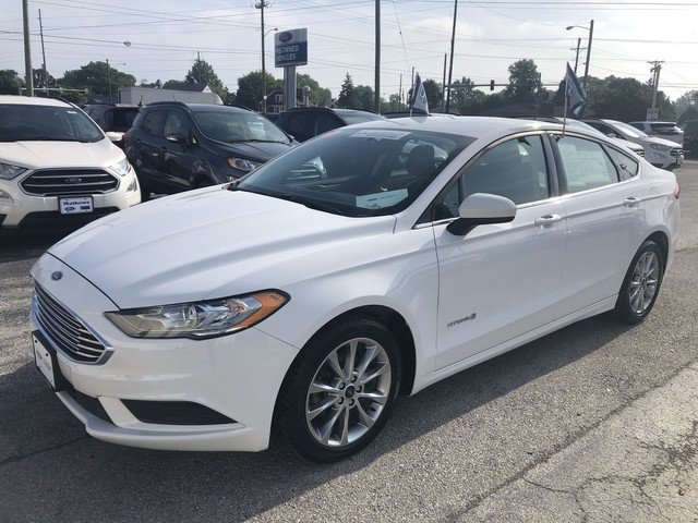 2017 Ford Fusion Hybrid SE Sedan FWD 2.0L 4-Cyl Engine 4 Door Automatic